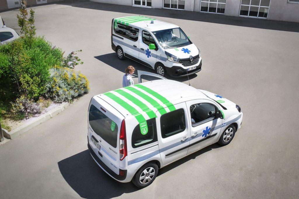 ambulances-voitures-services-developement